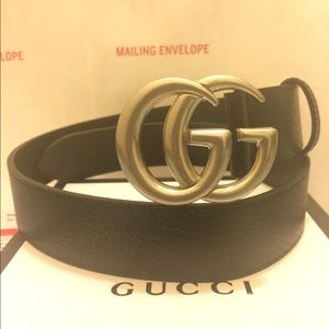 Gucci black leather silver double g buckle belt